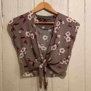 Front tie floral cropped top